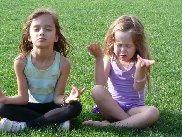 2012-08-29-Chopra_KidsMeditating