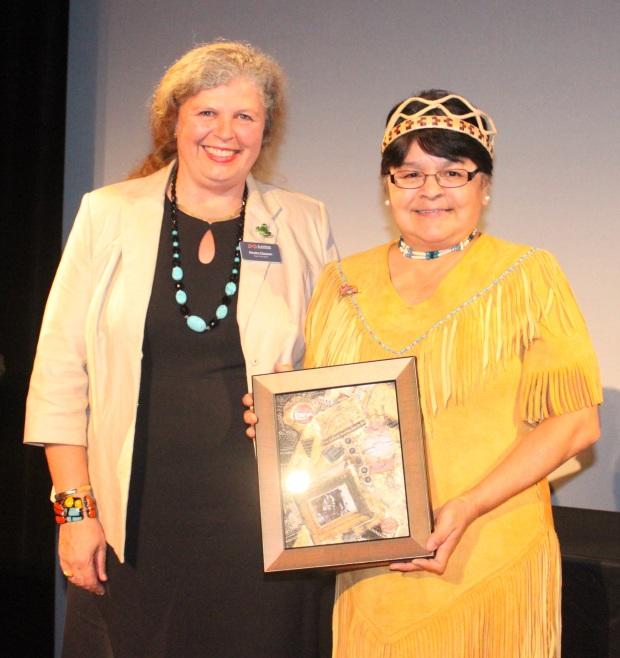 Lois Joseph (R) 2015 Distinguished Service Award.jpg