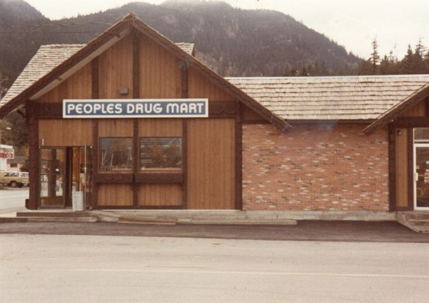 p25227_NewPharmacy_820x580